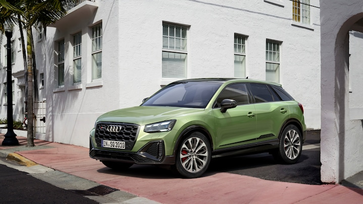 New sports SUV in the compact segment: striking design details, advanced Audi connect services and assistance systems – the Audi SQ2 has been available in a fresh, renewed version since 2020.