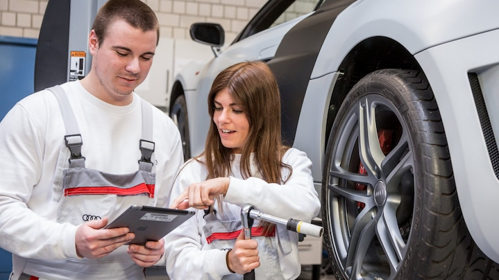 Audi uses tablet computers in the traineeship