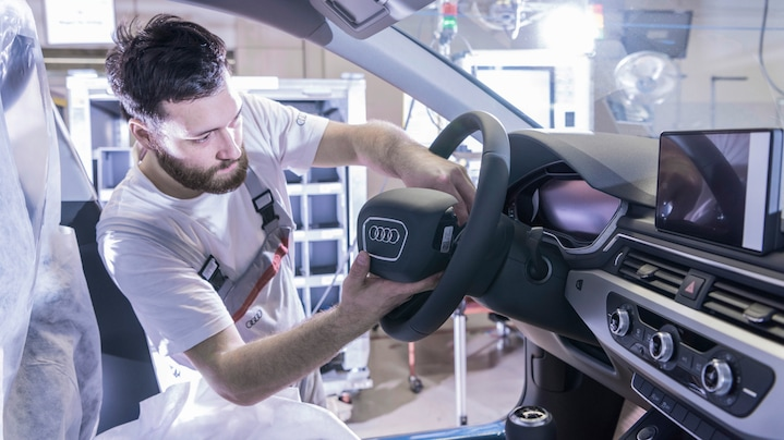 Installation of the airbag at Audi A4