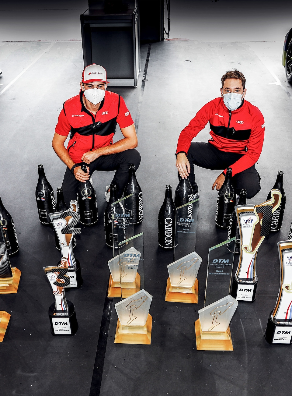 Nico Müller and Robin Frijns with trophies