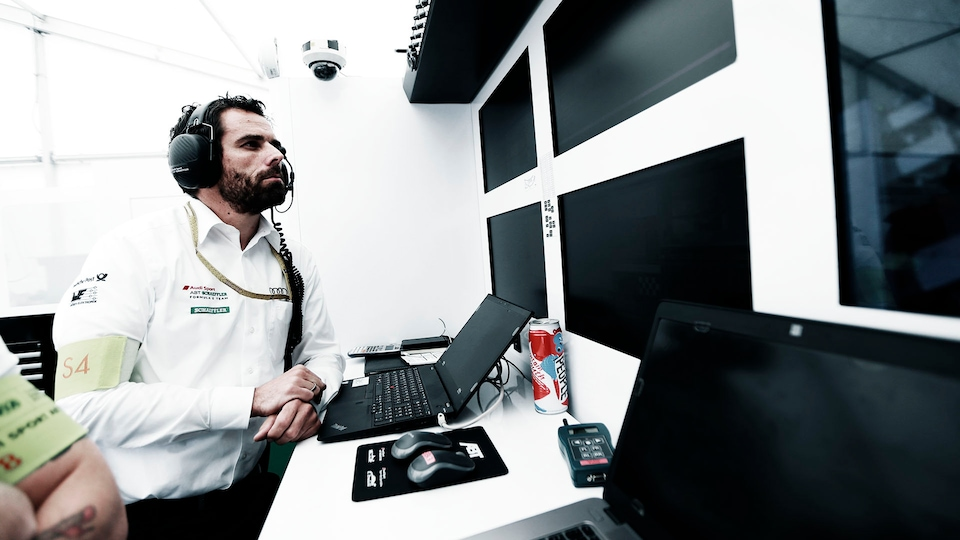 Markus Michelberger at his computer