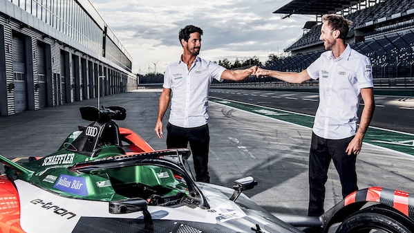 Daniel Abt and Lucas di Grassi in the garage