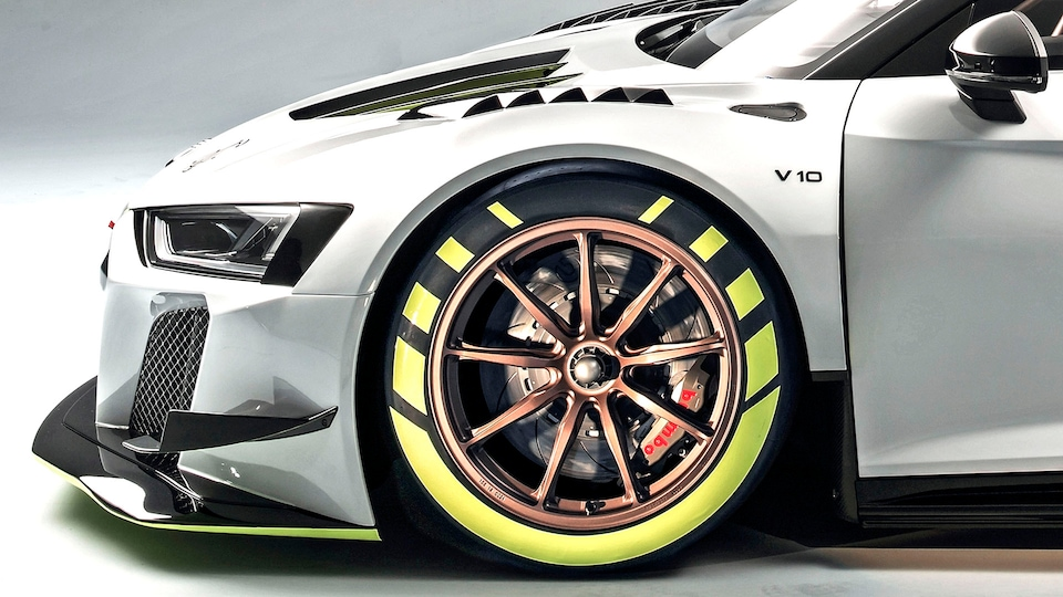Front wheel of the Audi R8 LMS GT2