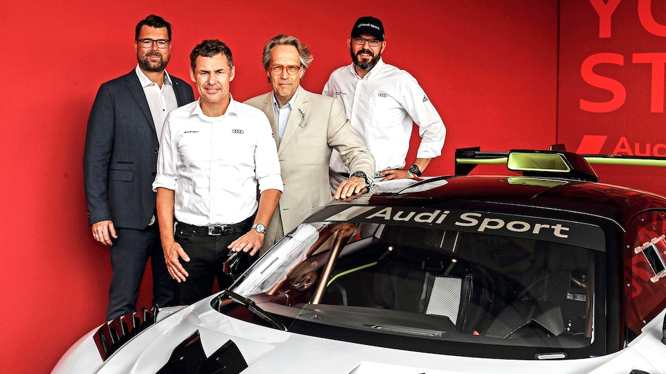 Oliver Hoffmann, Tom Kristensen, Charles Gordon-Lennox, Chris Reinke and the Audi R8 LMS GT2