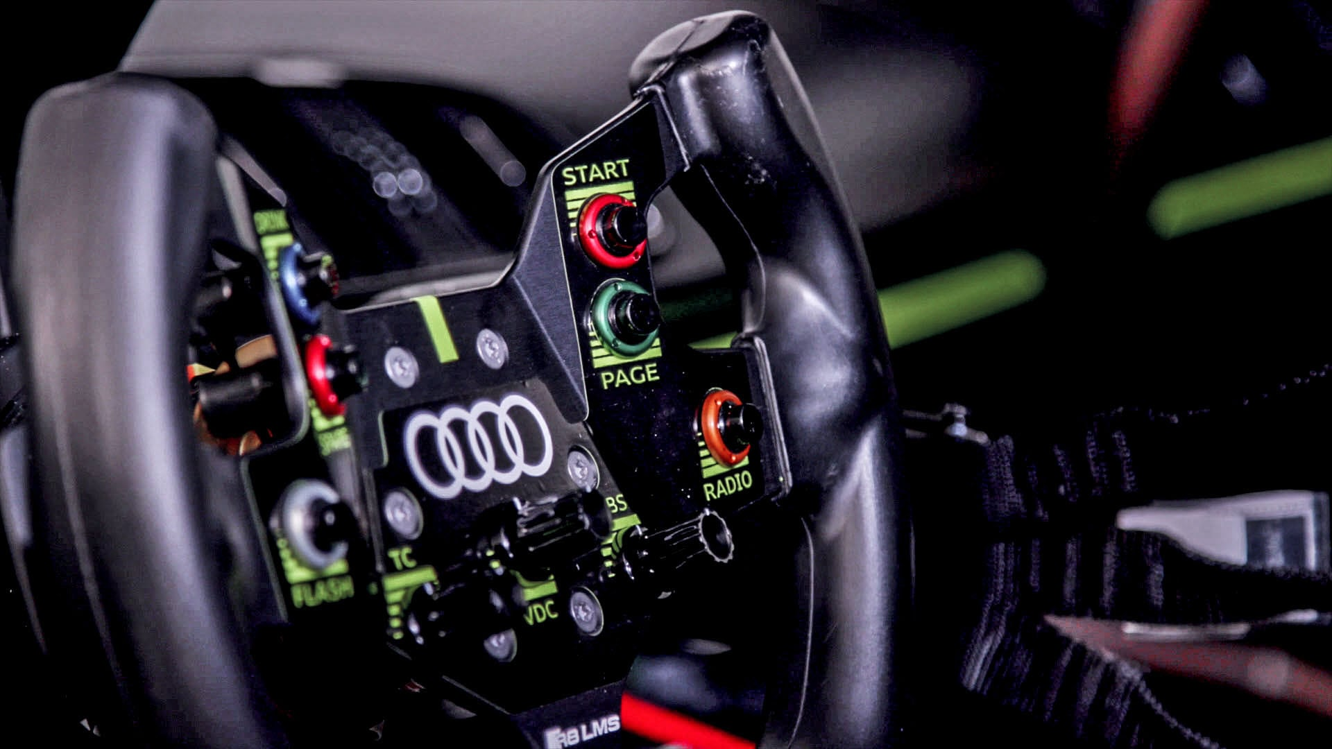 Steering wheel of the Audi R8 LMS GT2