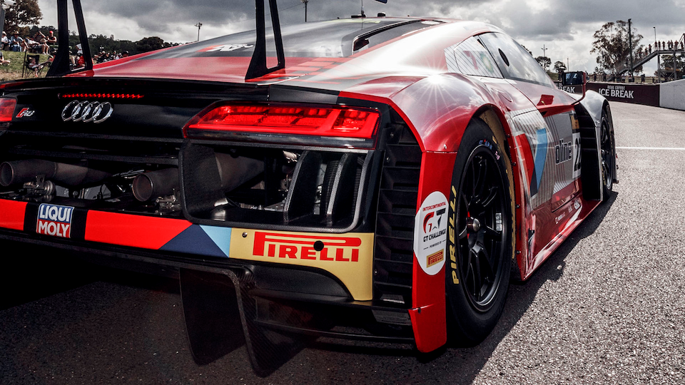 Audi R8 LMS in der Boxengasse