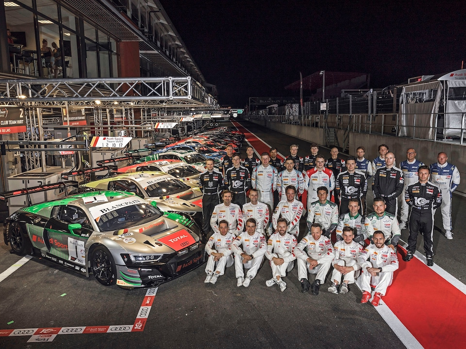 24 Spa 2019 Audi group photo