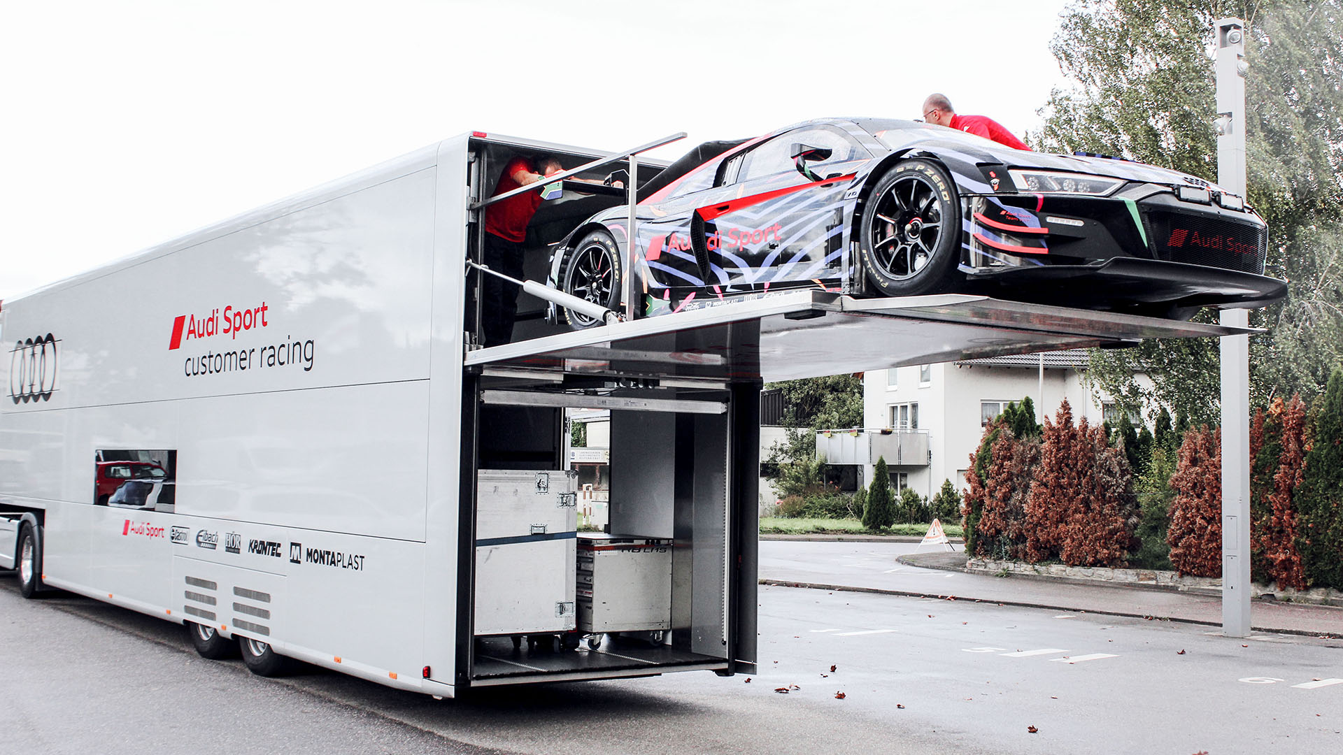 Audi R8 LMS on the truck