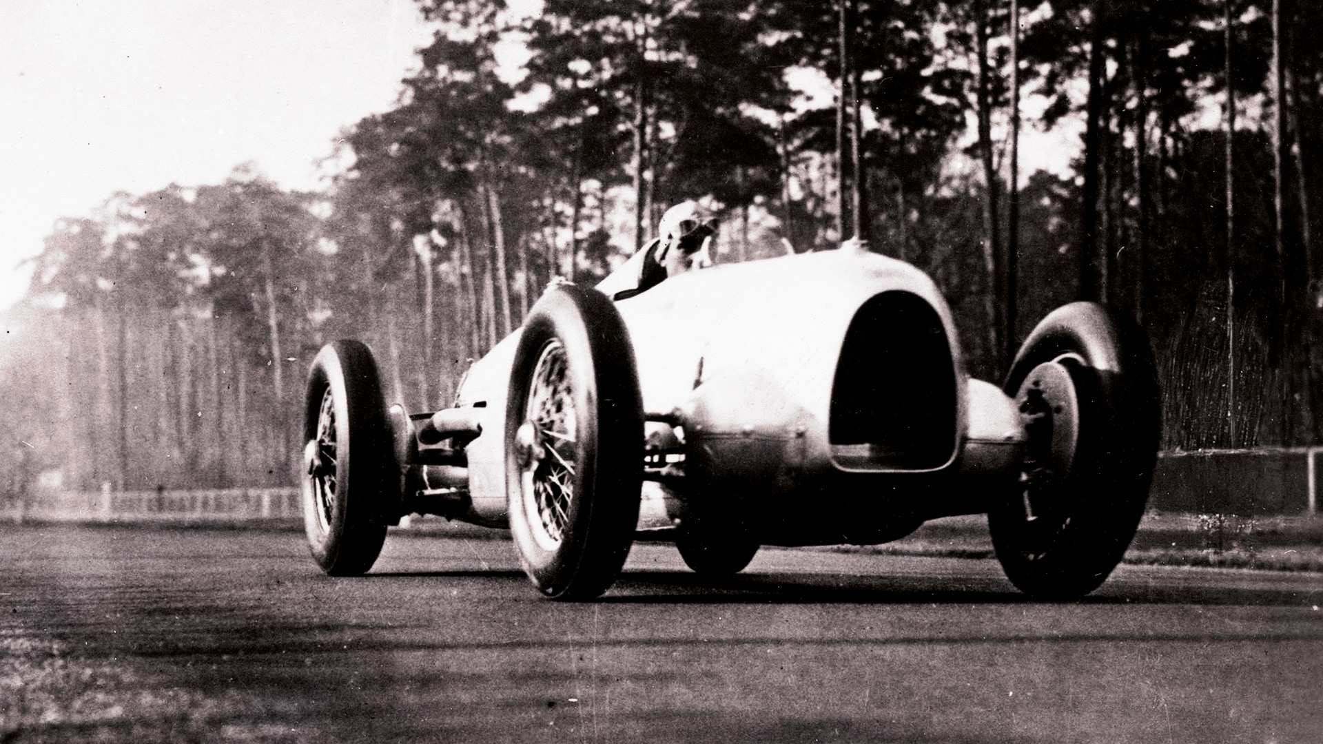 1932–1939: The age of the Silver Arrows