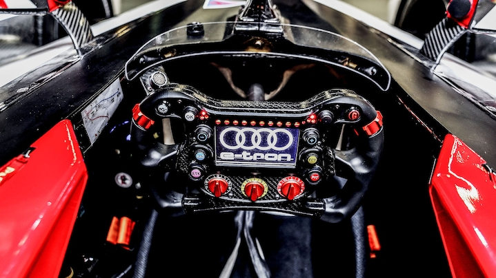 Audi e-tron FE06 steering wheel