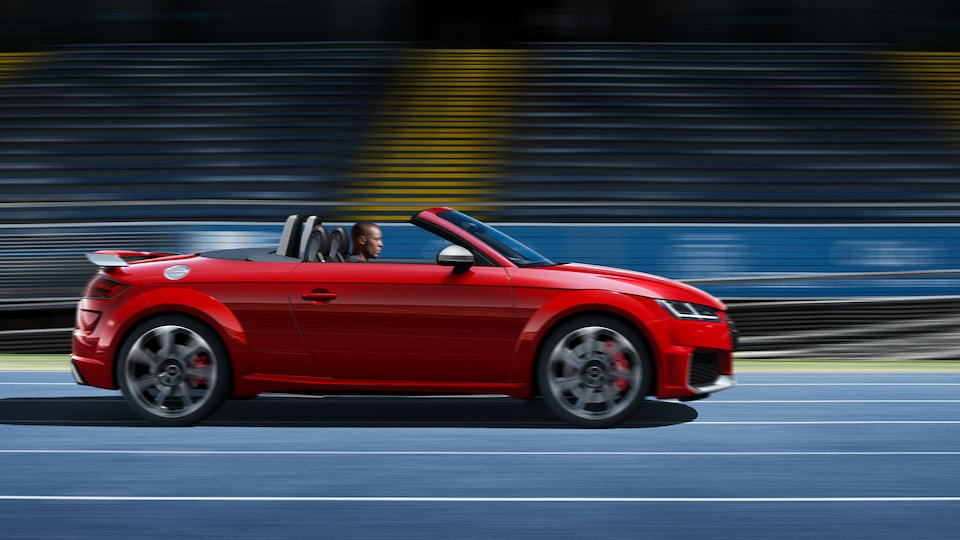 OPEN FOR EVERY CHALLENGE: THE AUDI TT RS ROADSTER
