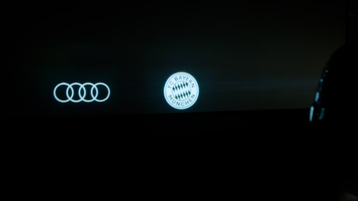 Special message with the Audi digital matrix light