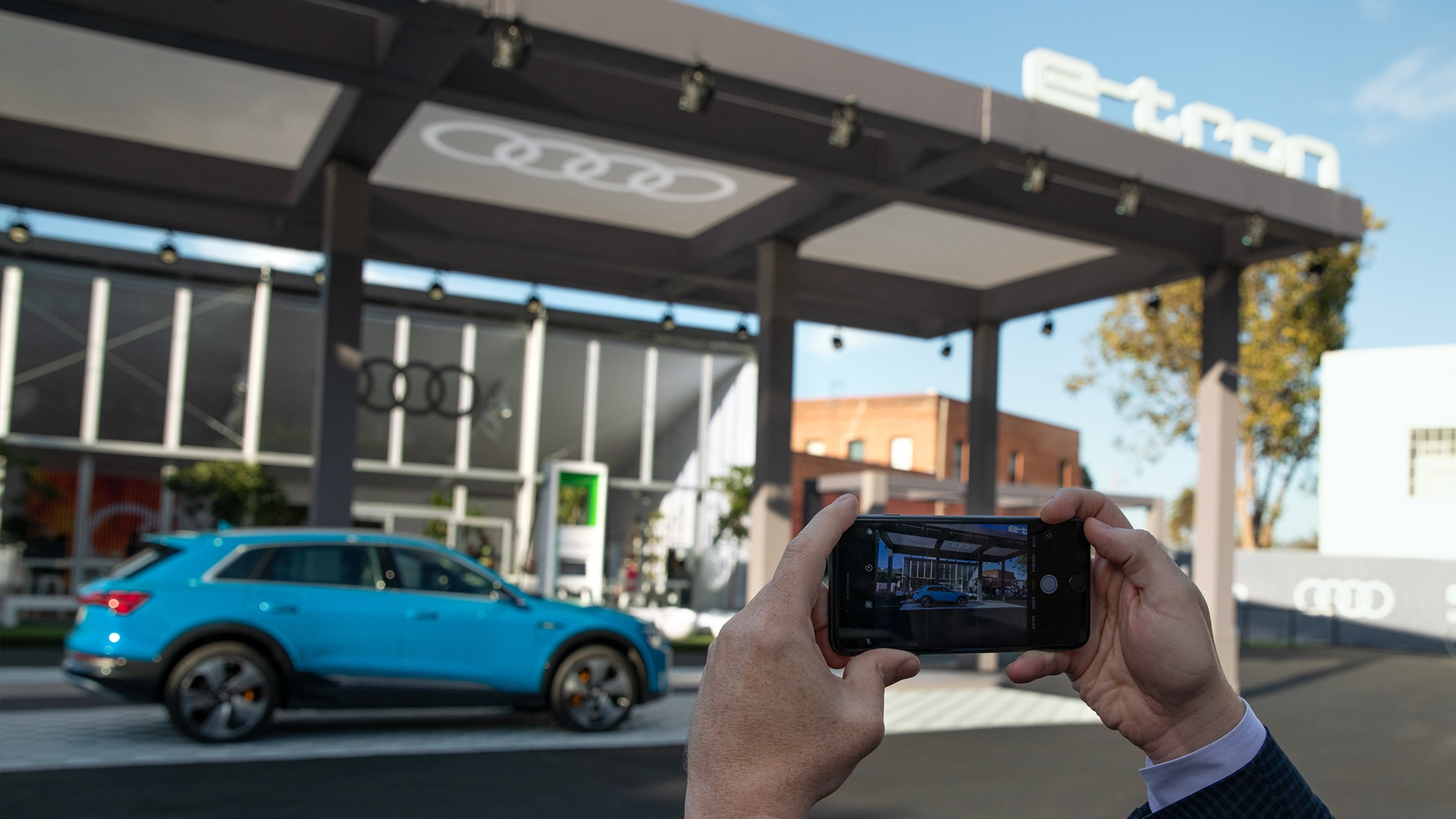 Audi San Francisco >> How Audi Is Bringing The E Tron To Downtown San Francisco