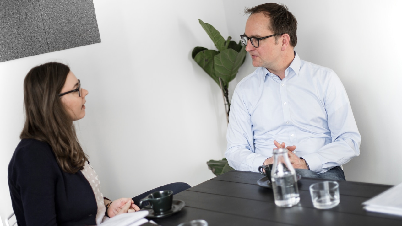 Stefanie Lackner in an interview with Anno Mertens, expert for electric mobility