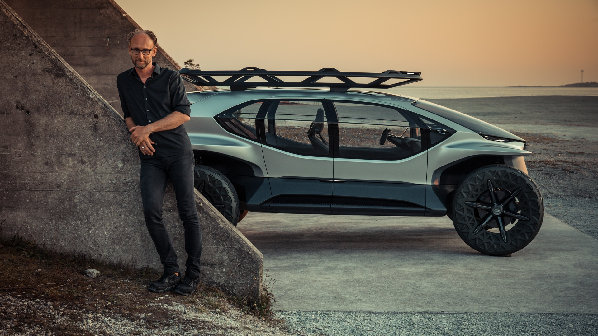 Marc Lichte, Head of Design at Audi, in front of the Audi AI:TRAIL concept car