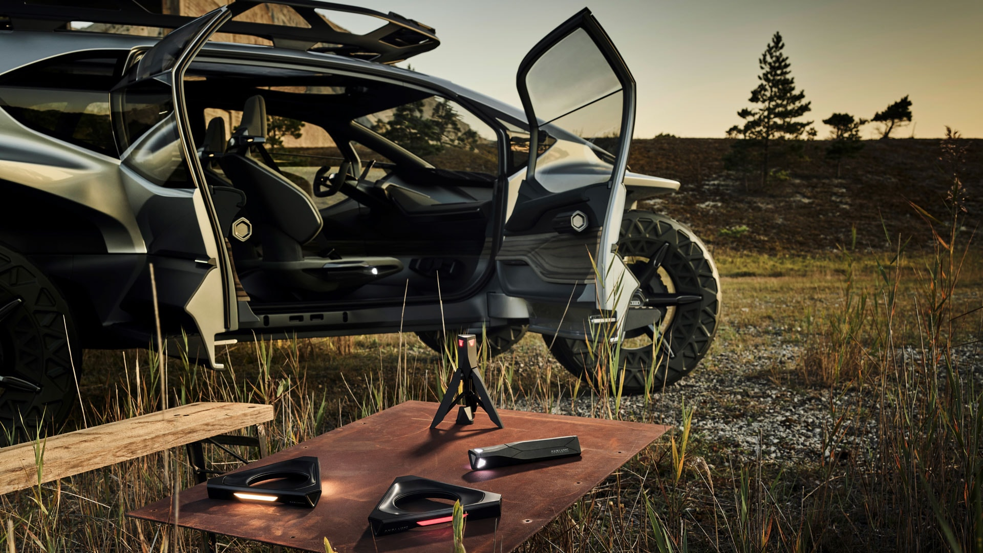 Gadgets, inklusive Light Companion, des Concept Cars Audi AI:TRAIL