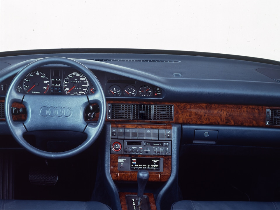 In the Audi V8 from 1988, it moved over to the center console for the first time.