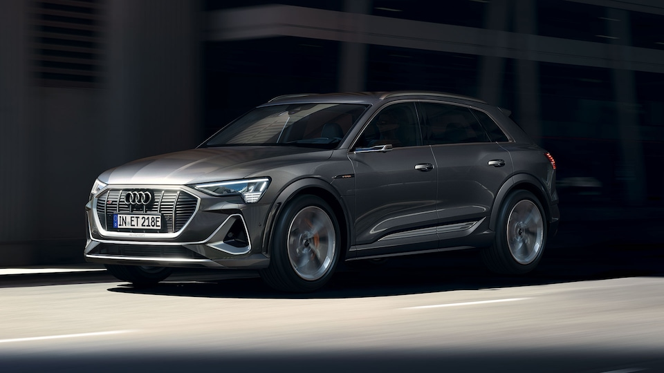 Programmed for sportiness: the Audi e-tron S