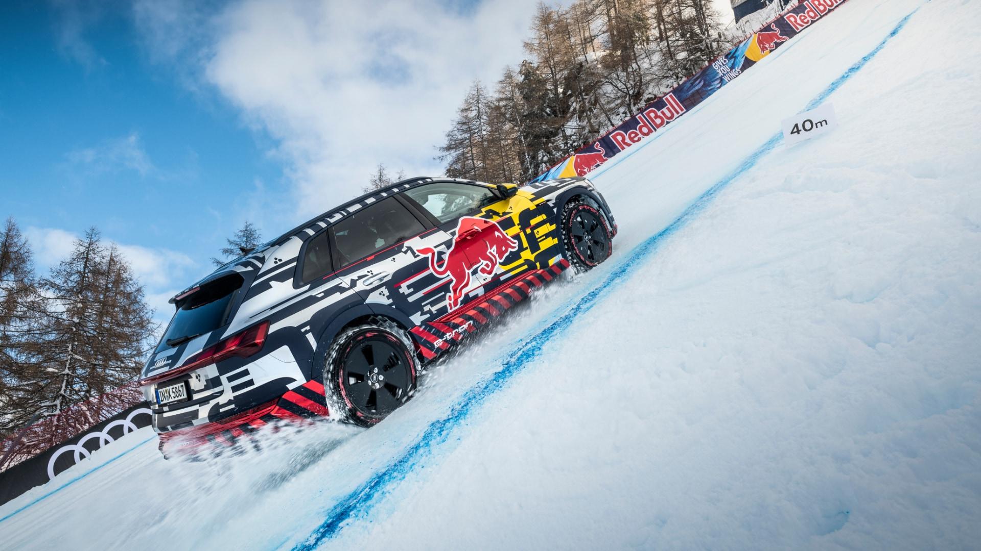 VIDEO: Električni Audi osvaja skijašku stazu u Kitzbühelu