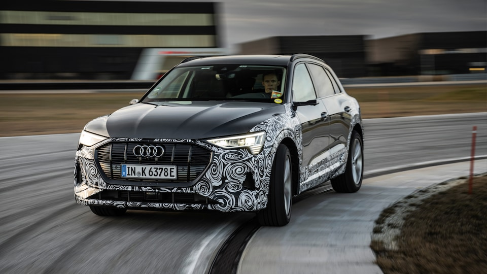quattro in a new guise: The prototype e-tron S finds perfect balance with the new torque vectoring technology.